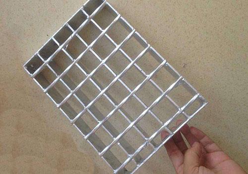 镀锌钢格板的加工方法介绍
